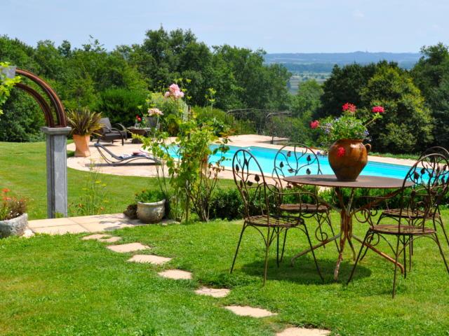 au-castelbosc-piscine.jpg