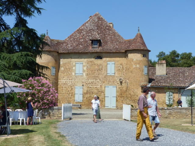 sabazan-chateau-camille-deschamps.jpg