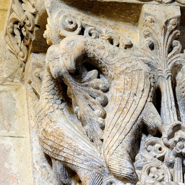 abbaye-saint-sever-de-rustan-chapiteau-aigles-ccam.jpg